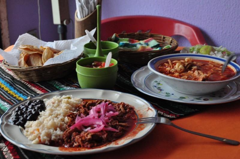 Palenque - večeře (polívka pazole)