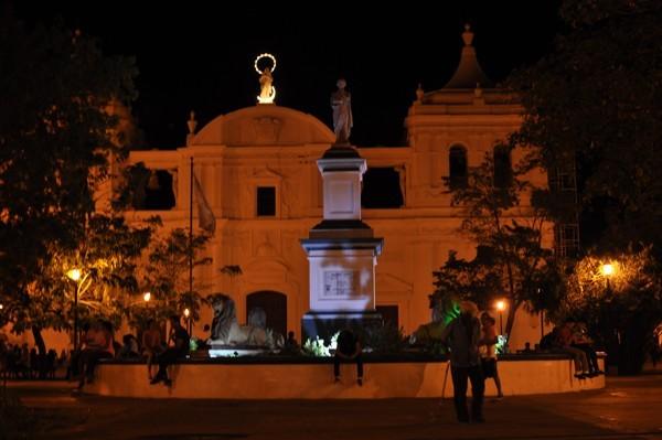 Noční katedrála v Leonu