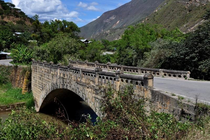 Kamenný most v Tingu
