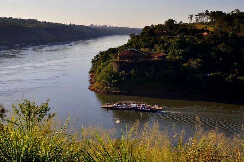 Soutok řek Paraná a Iguazu
