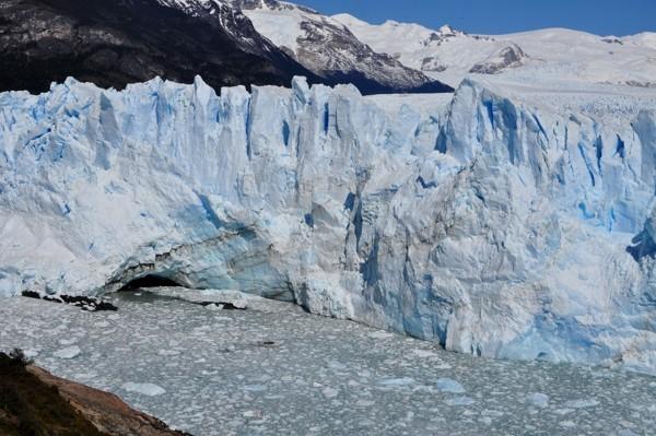 Až 70 metrů vysoký ledovec